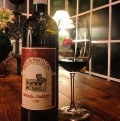 Relax con un buon bicchiere di vino a Villa La Bianca #Camaiore #Lucca #Tuscany