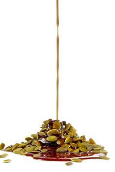 Four Oils That Can Enrich Your Diet in Surprising Ways - Including Roasted Pumpkin Seed Oil. Pumpkin Ravioli, Pumpkin Seed Oil, Shopping List Grocery, Toasted Pumpkin Seeds, Chocolate Trifle, Cooking Pumpkin, Best Pumpkin, Sauces, Caramel Apples