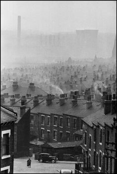 England, Leeds, From Marc Riboud/Magnum Photos Thanks to tytusjaneta Marc Riboud, Industrial Photography, Vintage Photography, Street Photography, Stunning Photography, Abstract Photography, Old Pictures, Old Photos, Vintage Photos