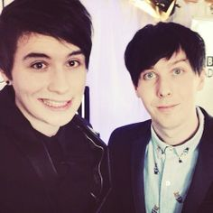 i spend a lot of my hours watching dan and phil they are my favorite youtubers and soon hope to meet them Danisnotonfire And Amazingphil, Phil 3, Cat Whiskers, Dan And Phil Cute, Dan Howell, Daniel James Howell, Youtubers, Tabinof, Teen Awards