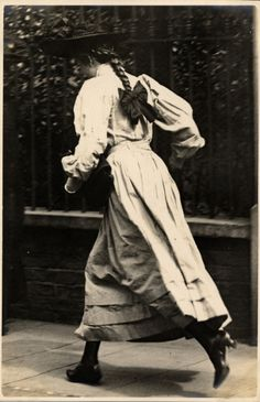keep woman deteailed make background psychadellic or cartoon-ish Kensington, London June / Edwardian photograph / Girl running / long dress, plaits, hat / Antique Photos, Vintage Pictures, Vintage Photographs, Old Pictures, Old Photos, Edwardian Era, Edwardian Fashion, Vintage Fashion, Edwardian Dress