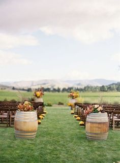 Who doesn't love this outdoor wedding?