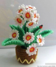 so pretty -m- Crochet Cactus, Crochet Leaves, Crochet Yarn, Crochet Toys, Knitting Yarn, Crochet Flower Patterns, Doily Patterns, Crochet Flowers, Yarn Flowers