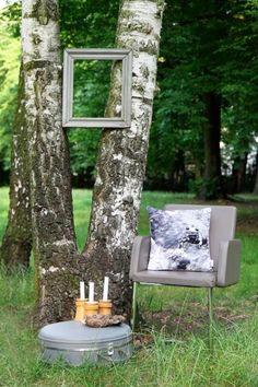 #salamander #livingroom #wood #forrest #photography #cushion #pillow #illustration // #salamander #wohnzimmer #sofa #couch #wald #fotografie #zeichnung #kissen #gots #vegan