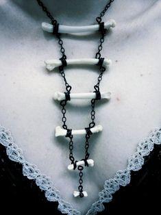 Jewelry Gothic - Just my LARP stuff (chars) - Goth Jewelry, Diy Jewelry, Jewelry Accessories, Jewelry Design, Jewelry Making, Jewellery, Larp, Bone Crafts, Maquillage Halloween