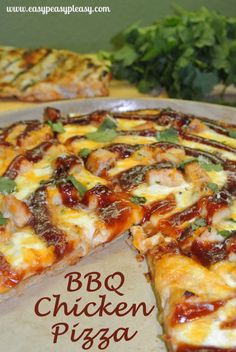 BBQ Chicken Pizza on a Whole Wheat Crust using up your leftover grilled chicken Best Bbq Recipes, Easy Chicken Recipes, Grilling Recipes, Leftover Bbq Chicken Recipes, Top Recipes, Healthy Chicken, Easy Recipes, Grilled Pizza Recipes, White Pizza Recipes