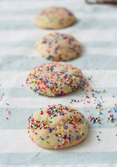 This is the best sugar cookie recipe ever. These Easter Sugar Cookies are simple to make and will wow your Easter dinner guests.