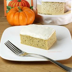 Prot: 15g, Carbs: 9g, Fat: 7g, Cal: 146 (frosted) Prot: 10g, Carbs: 7g, Fat: 3g, Cal: 81 (unfrosted) Perfect for the holidays, but you're not going to want to share this Pumpkin Protein Cake with Cream Cheese Protein Frosting! The cake has a delicious vanilla bean flavor with a