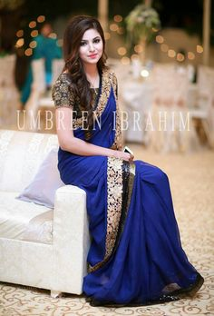 At a wedding reception Stylish Sarees, Stylish Dresses, Fashion Dresses, Shadi Dresses, Indian Dresses, Designer Sarees Wedding, Designer Dresses, Pakistani Outfits, Indian Outfits