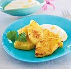 Kokos-Ananas mit sahnigem Honig-Joghurt