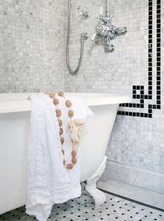 mettre le bain dans la douche..!