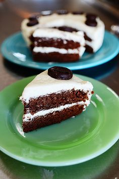 Peppermint Patty Cake with Vanilla Mint Frosting  Prep Time: 20 Minutes Cook Time: 20 Minutes Difficulty: Easy Servings:12