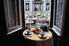 The room with a perfect view - Rome fontana di trevi
