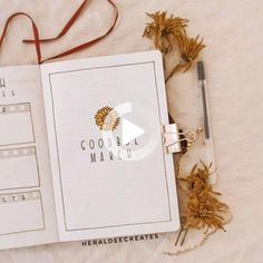 Add the floral theme to your journal with this minimalist sunflower bullet journal set-up. Be inspired with spread ideas that are perfect for beginners! March Bullet Journal, Bullet Journal Monthly Spread, Bullet Journal Cover Ideas, Bullet Journal Quotes, Bullet Journal Notebook, Bullet Journal Inspo, Journal Ideas, Bullet Journal For Beginners, Bullet Journal Aesthetic