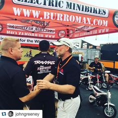 #Repost @johngreeney with @repostapp  Ken Francis of #burromax meeting some of the #traxxasracing team this past Saturday at #NHRA Midwest Nationals. #electricminibike #minibike