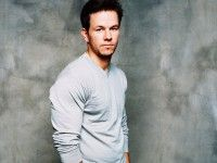 - Dazzling Wallpaper  MARK WAHLBERG,free,desktop,download,hd,hdwallpaper,freedownload,image,photo1080p,picture,nice,beautiful,nicepics,latestphoto,backgrauond,sexy,actor,celebrated,handsome,smart,dazzlingwallpaper