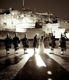 Could there be a more romantic venue to get married than Edinburgh Castle? Got Married, Getting Married, Romantic City Breaks, Wedding Venues Scotland, Wedding Show, Wedding Ideas, Edinburgh Castle, Celtic Wedding, Wedding Locations