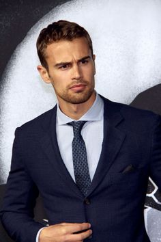 """""""Insurgent"""" star Theo James is super hot and these pics prove it. Theo James, Theodore James, James 3, Pretty People, Beautiful People, Hot British Men, Celebs, Celebrities, Hottest Photos"""