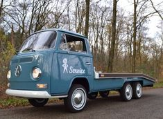 Learn more about Restored Vintage Custom Build: 1972 Volkswagen Tandem Axle Flatbed on Bring a Trailer, the home of the best vintage and classic cars online. Volkswagen Transporter, Volkswagen Bus, Vw T1 Camper, Campers, Kombi Pick Up, Vw Modelle, Combi T2, Vw Pickup, Vw Classic