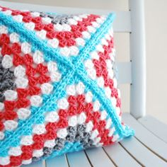 To match my couch afghan. Retro Granny Square Pillow, free pattern by B.hooked Crochet (video CAL too, wow) : thanks so for sharing with us all xox Crochet Squares, Crochet Granny, Crochet Motif, Crochet Designs, Granny Squares, Mode Crochet, Crochet Home, Crochet Crafts, Crochet Projects