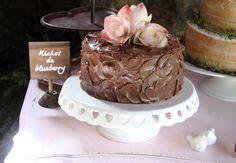 A mais nova tendência é sem dúvidas utilizar vários mini bolos no casamento. Para não errar na escolha a boleira Ana do Bolos da Ana dar todas as dicas hoje.