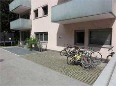 Diese Liegenschaft befindet sich in guter Stadtlage im Andräviertel der Stadt #Salzburg. Das Objekt kann entweder als  Wohnung oder #Büro oder auch als beides verwendet werden. Denkstein #Immobilien in Salzburg Patio, Outdoor Decor, Condominium, Stones, Yard, Terrace