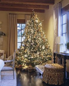 Decorating: Christmas Trees! - Traditional Home® Pretty in white and gold