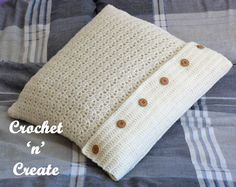 Throw Pillow Cover Free Crochet Pattern - Crochet 'n' Create - http://crochetncreate.com/throw-pillow-cover/
