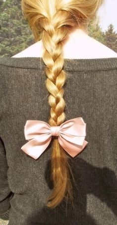 fishtail with bow