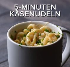 6 cup dishes ready in minutes - Rezepte - Pasta Mac And Cheese Microwave, Tasty Mac And Cheese, Easy Microwave Recipes, Mac And Cheese Mug, Healthy Microwave Meals, Microwave Food, Healthy Breakfasts, Eating Healthy, Healthy Snacks