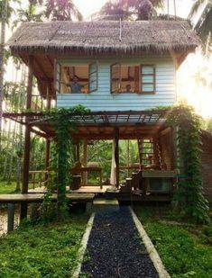 95 Adorable Farmhouse Cottage Design Ideas And Tiny House Decor Ideas Thai House, Rest House, House In The Woods, Cottage Design, Tiny House Design, Bamboo House Design, Future House, Jungle House, Backyard House