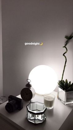 Many people believe that there is a magical formula for home decoration. You do things… Creative Instagram Stories, Instagram And Snapchat, Instagram Story Ideas, Instagram Feed, Good Night Story, Mode Poster, Snapchat Streak, Snapchat Picture, Snapchat Stories