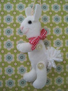 Easter Garland Along pattern link