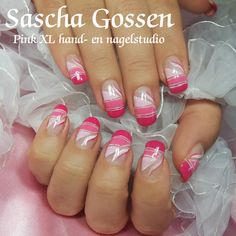 A naildesign from Pinterest, but now in CND Shellac....#nailart #pink #CND #naildesign