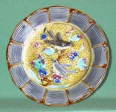 """Assiettes et plats en barbotine de Nimy Assiette """" Rotins """" diamètre 21,5 cm Cachet """" Mouzin-Lecat """" 1851 -1890"""