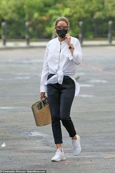Olivia Palermo Outfit, Estilo Olivia Palermo, Olivia Palermo Lookbook, Olivia Palermo Style, Big Fashion, Winter Fashion Outfits, Paris Fashion, Autumn Winter Fashion, White Shirt Outfits