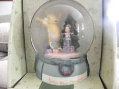 Classic Winnie The Pooh Baby's First Christmas Musical Snowglobe ...