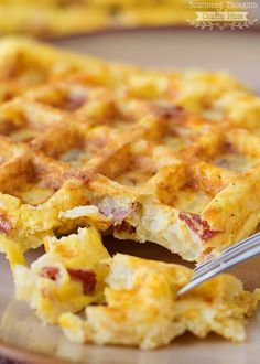 waffles pizza Super easy, Potato, Egg and Cheese Waffles (with bacon!) Super easy, Potato, Egg and Cheese Waffles (with bacon! Bacon Waffles, Cheese Waffles, Potato Waffles, Savory Waffles, Breakfast Waffles, What's For Breakfast, Breakfast Items, Savory Breakfast, Breakfast Dishes