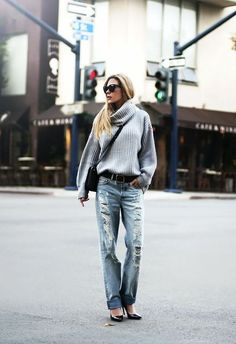 slouchy, ribbed turtleneck with boyfriend jeans. thick fabrics with structured leather accessories