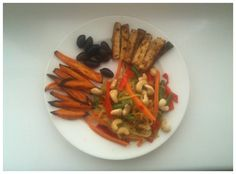 06-2 Lunch: Zucchini, bell pepper, carrot, string beans and cashews (coconut oil, white pepper, salt).Tofu (chili), sweet potato and olives.