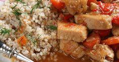 Delikatne mięso z indyka uduszone z warzywami w pachnącym sosie, podane z kaszą jęczmienną - to moja propozycja na lekki i pyszny obiad 💓  ... Grains, Rice, Chicken, Food, Diet, Essen, Meals, Seeds, Yemek