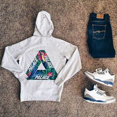 WEBSTA @ cj__mcfly - Love is rage #outfitgrid | @outfitgrid @dennistodisco Hoodie | @palaceskateboards Jeans | @nudiejeans Shoes |…