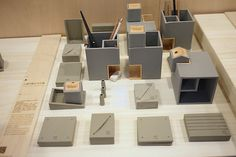 【2014 TWDW】3x3 概念創作展--不和諧中的和諧「小城市軟水泥文具組」 | 大人物