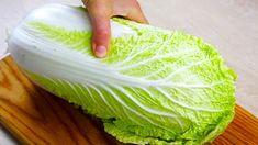 Konzumácia čínskej kapusty má veľa výhod. Okrem toho, že vďaka tým správnym receptom si na nej skvele pochutíte, môžete jej zjesť takmer kilogramy a schudnete. Vyznačuje sa tým, že je jemnejšia ako klasická hlávková kapusta a jej listy sú šťavnatejšie. Obsahuje veľké množstvo vitamínov a hrubých vlákien, ktoré stimulujú trávenie, vyživujú črevnú mikroflóru a odstraňujú... Bulletproof Diet, Low Calorie Diet, Krabi, Cabbage, Salads, Snacks, Vegetables, Cooking, Per Diem