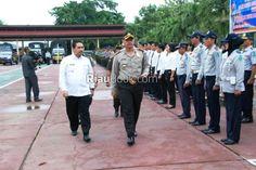 Riau Book - Kepolisian Resort Indragiri Hulu menggelar apel gelar pasukan dalam rangka Operasi Zebra Siak 2016 di lapangan upacara…