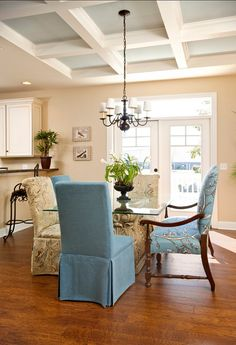 Dining Room. Great ideas for Casual Dining Room Design. #DiningRoom