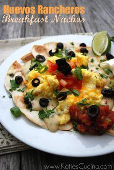 ★Huevos Rancheros Breakfast Nachos (with scrambled eggs) Breakfast Nachos, Breakfast Time, Breakfast Recipes, Second Breakfast, Breakfast Ideas, Entree Recipes, Lunch Recipes, Mexican Food Recipes, Sweets Recipes