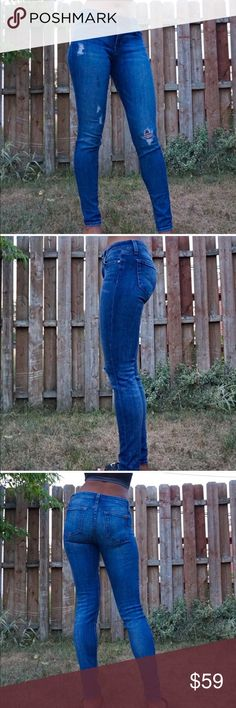 Joe's Jeans Mandi Distressed Skinny Jeans Joe's Jeans Mandi Distressed Skinny Jeans   Skinny jeans – distressed jeans – medium blue wash – Mandi style – Joe's jeans  Inseam: 31 inches – waist: 13 3/4inches – rise: 9 inches Joe's Jeans Jeans Skinny