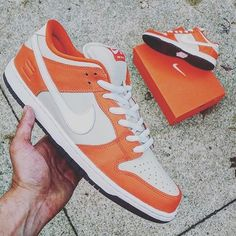 "Nike SB will release 4 Dunk colorways dedicated to classic SB boxes! This is the ""Orange Box"" - by @lebrentjames - read more about the release in our blog now! @nikesb #sneaker #release #dunk #nikedunk #nikesb #orangebox #sadp #kotd #sneakersmag #dunks"