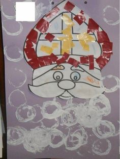 Sinterklaas stamping his beard with a kitchen roll. Cut & paste the me . Diy Crafts To Do, Crafts For Kids, Holidays Around The World, Saint Nicholas, Infant Activities, Diy For Kids, Just In Case, Advent, Christmas Crafts